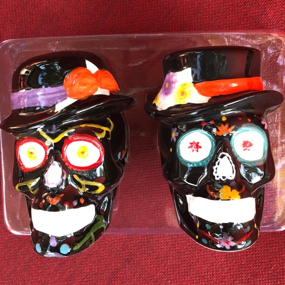 Other - HAPPY HALLOWEEN SALT AND PEPPER SHAKERS